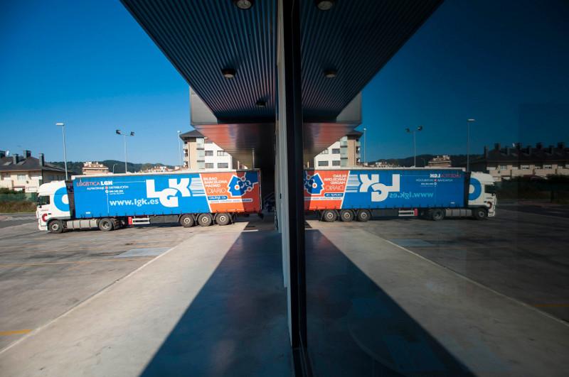 Camión de transporte de mercancías LGK